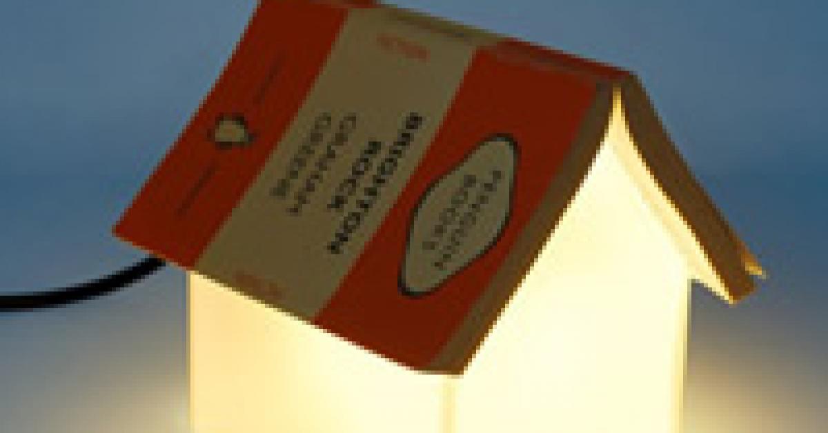 4 accessoires pour lire au lit insolite my little book - Gros coussin pour lire au lit ...